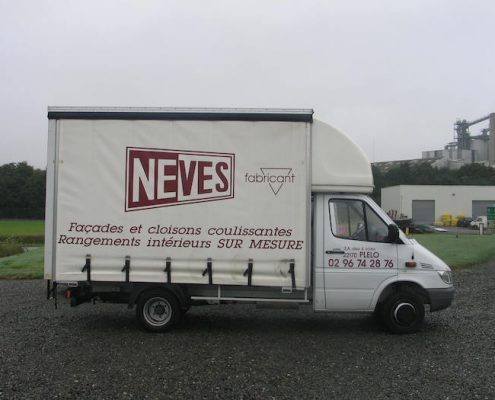 camion baché Neves